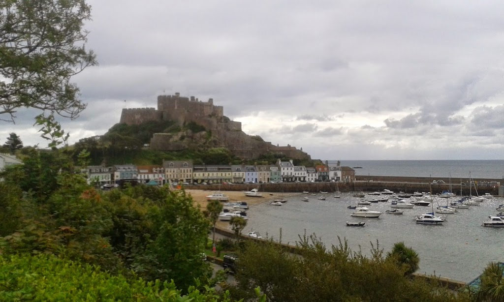 Port de Gorey: Château de Mont-Orgueil, Jersey, apprendre l'anglais