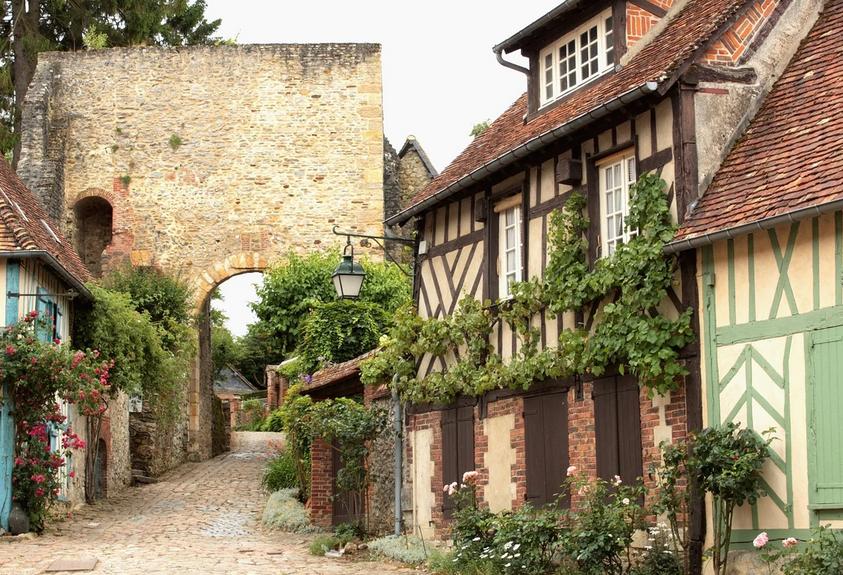 Romantic getaways near Paris