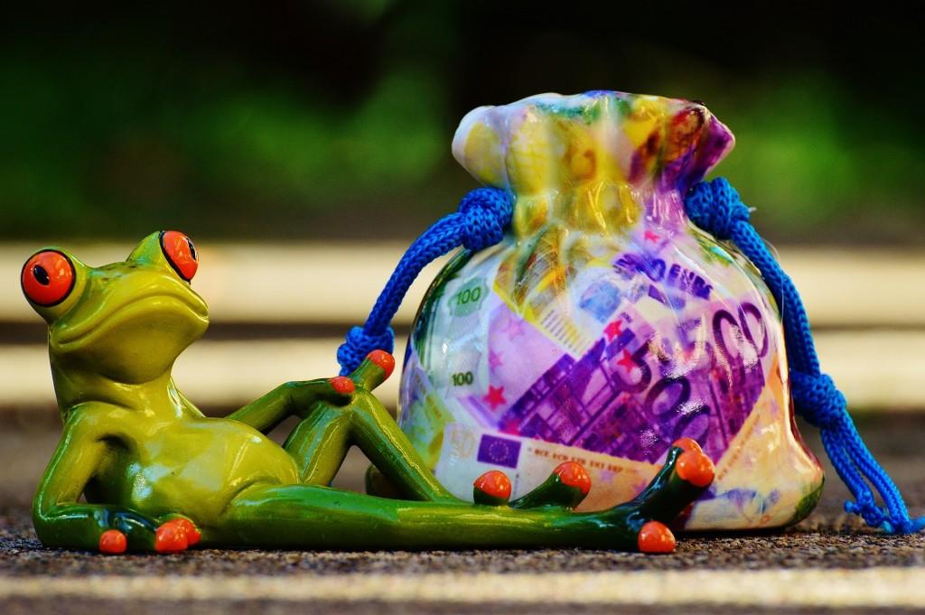 Earn money to travel, finance a trip